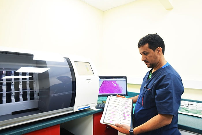 Download image (.jpg) Philips IntelliSite Pathology Solution at Al Borg Medical Laboratories